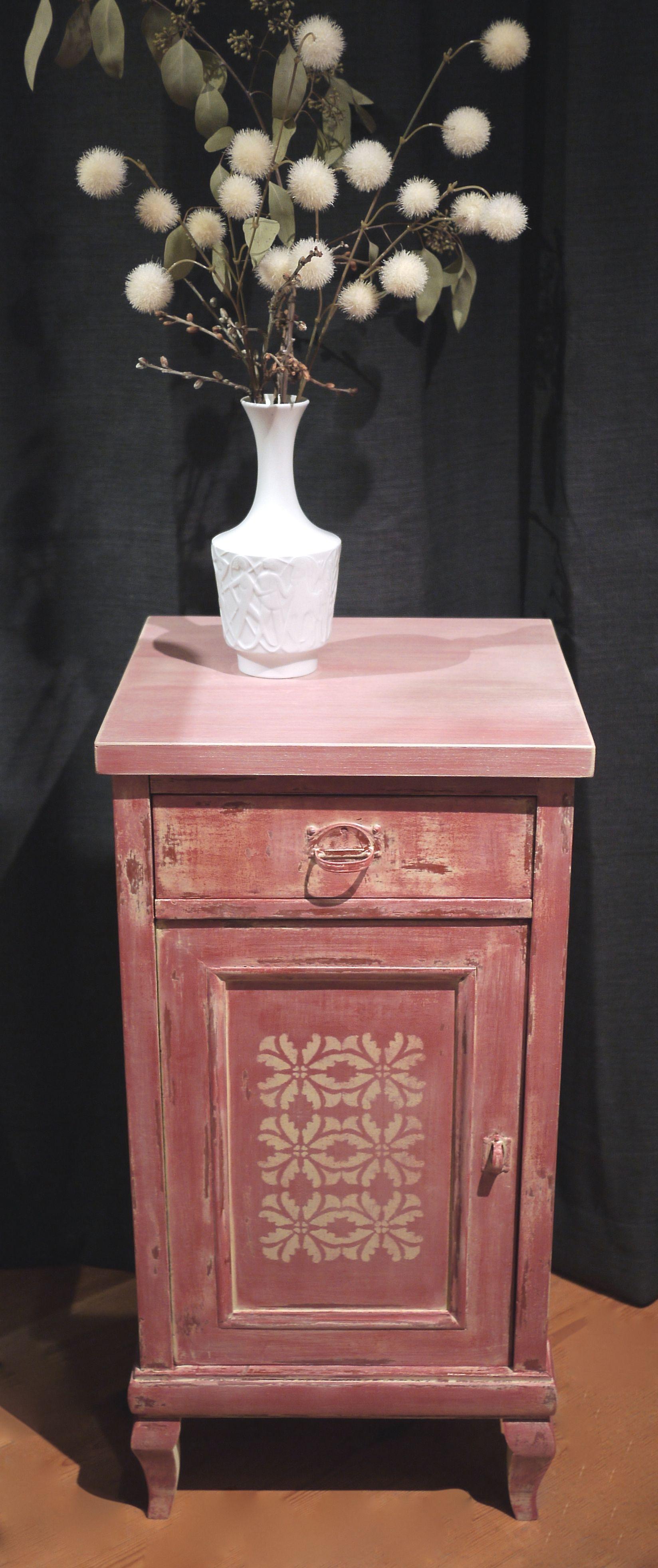 nachtschrank nachttisch keidefarbe neugestaltung pimento antik kreidefarbe chalk paint. Black Bedroom Furniture Sets. Home Design Ideas