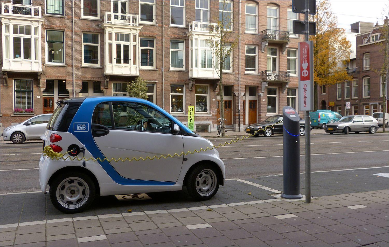 Handig Zo N Kleine Elektrische Auto In De Stad In De Van