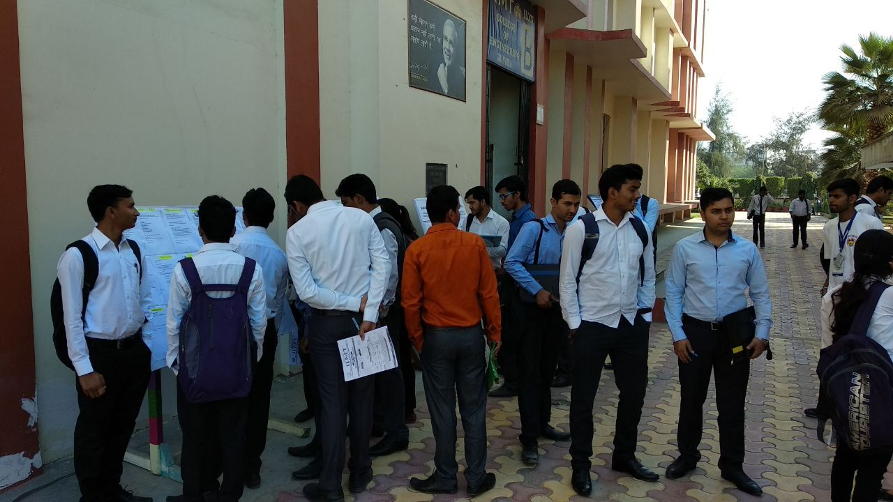 Mega Job Fair Event IIMT Greater Noida (With images) Top