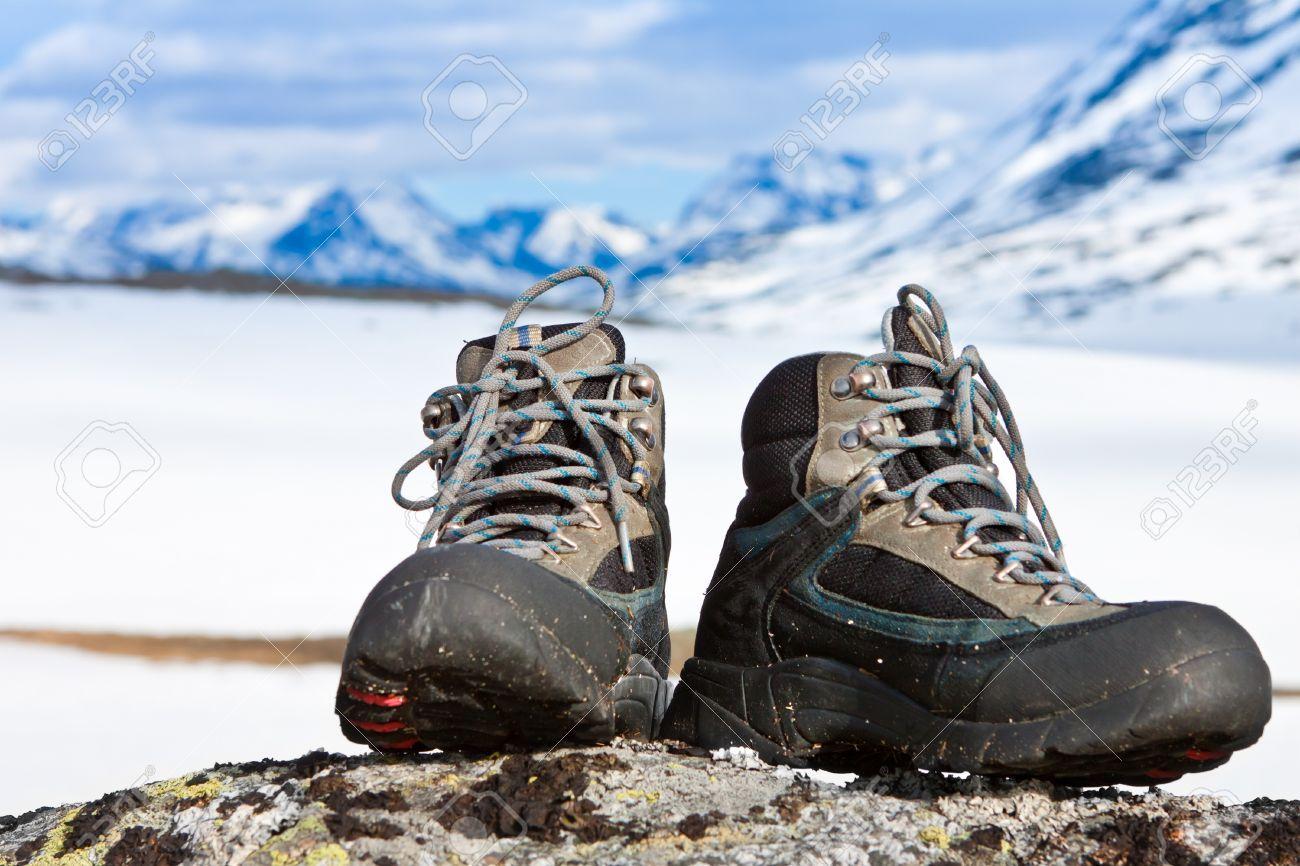 """dei buoni stivali sono fondamentali. ne ho cambiati diversi nella mia vita... senza mai aspettare un'eccessiva usura. i piedi sono gli unici due """"altri"""" appigli che hai! si potrebbe lavorare sul confort..."""
