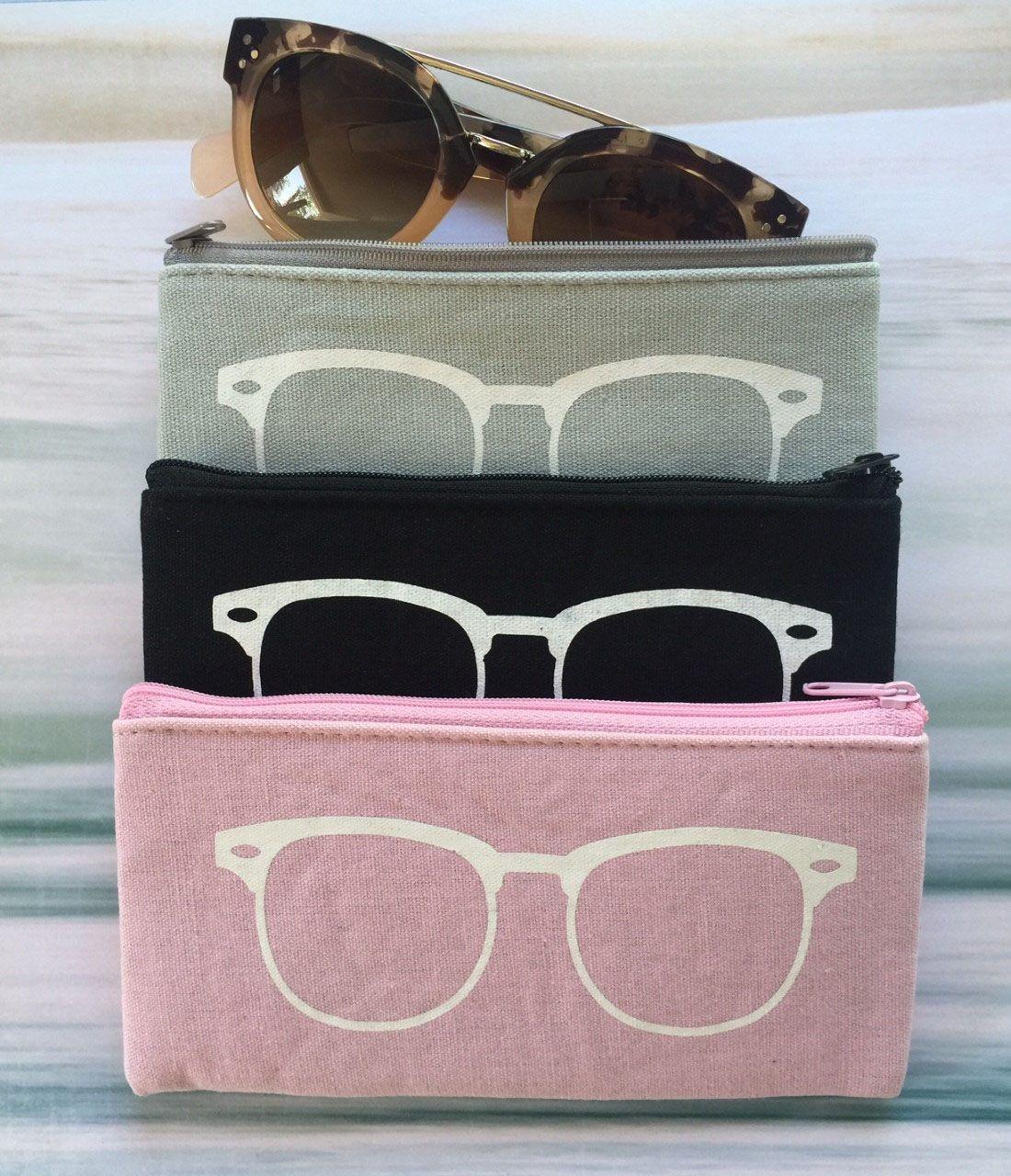 Linen Sunglasses Pouch - 3 Colors - $7.99. https://www.bellechic.com/deals/7f29d685089b/linen-sunglasses-pouch-3-colors