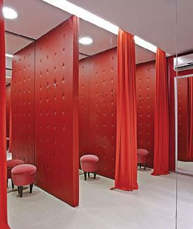 Dressing Rooms With Holes In The Walls