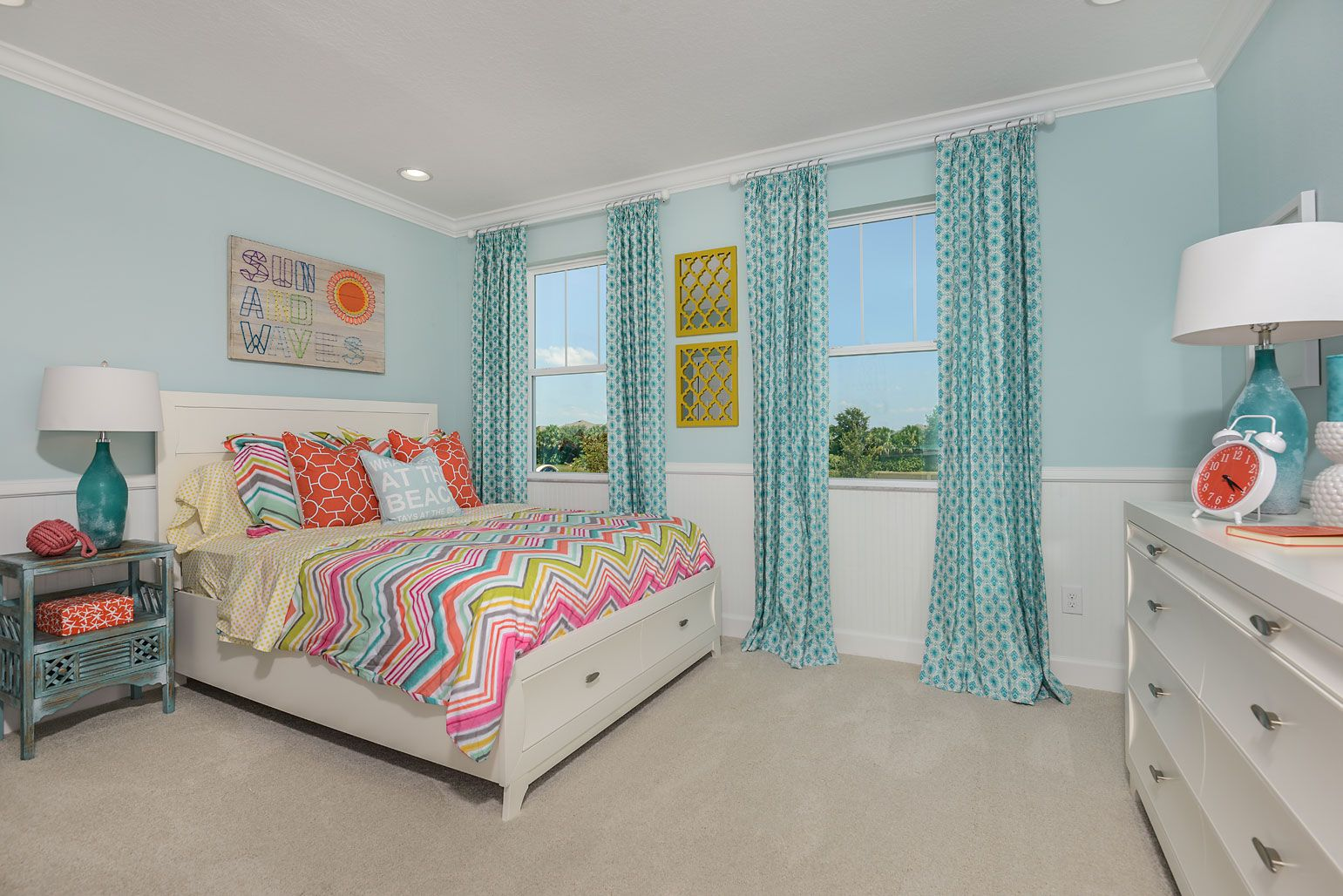 Best Soft Blue And White Paint With A Chair Rail Turns Your 400 x 300
