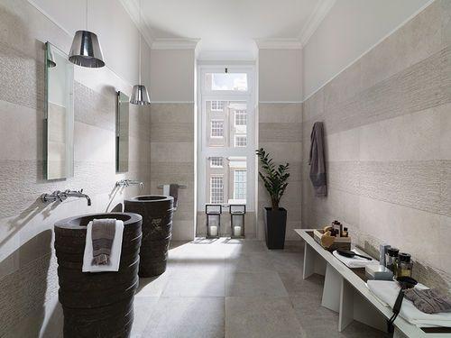 Salle de bain contemporaine   en pierre naturelle AZRAMA BY CLODAGH