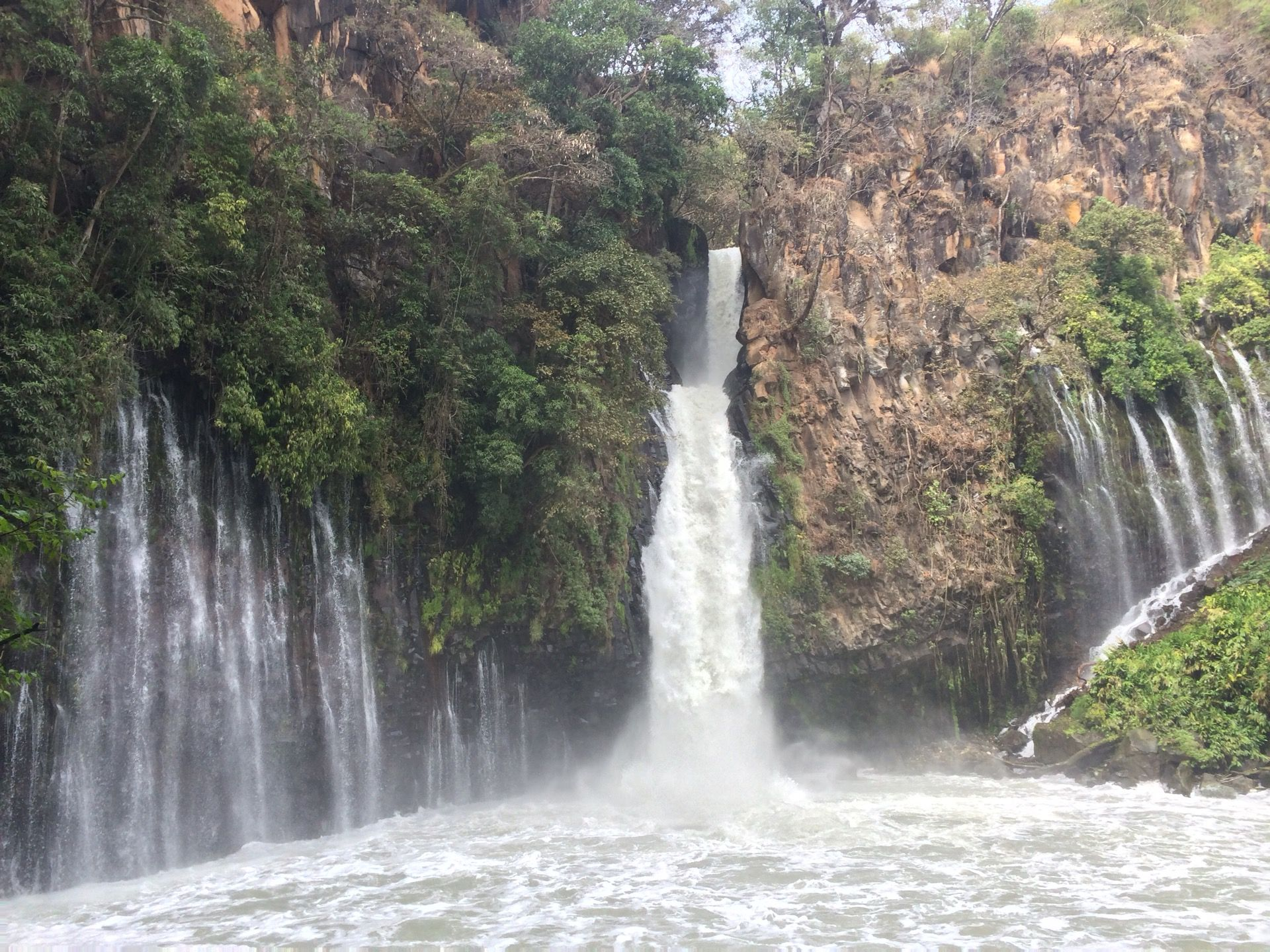 Cascada de la Tzararácua