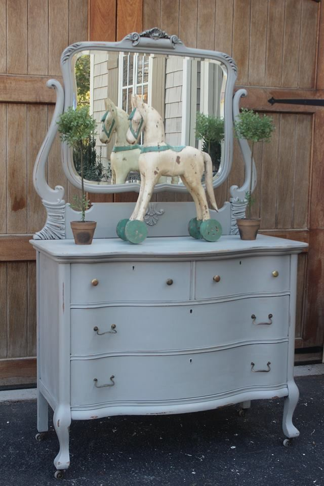 **i would add a glaze or white wash over this color though (a little to plain for me)!***