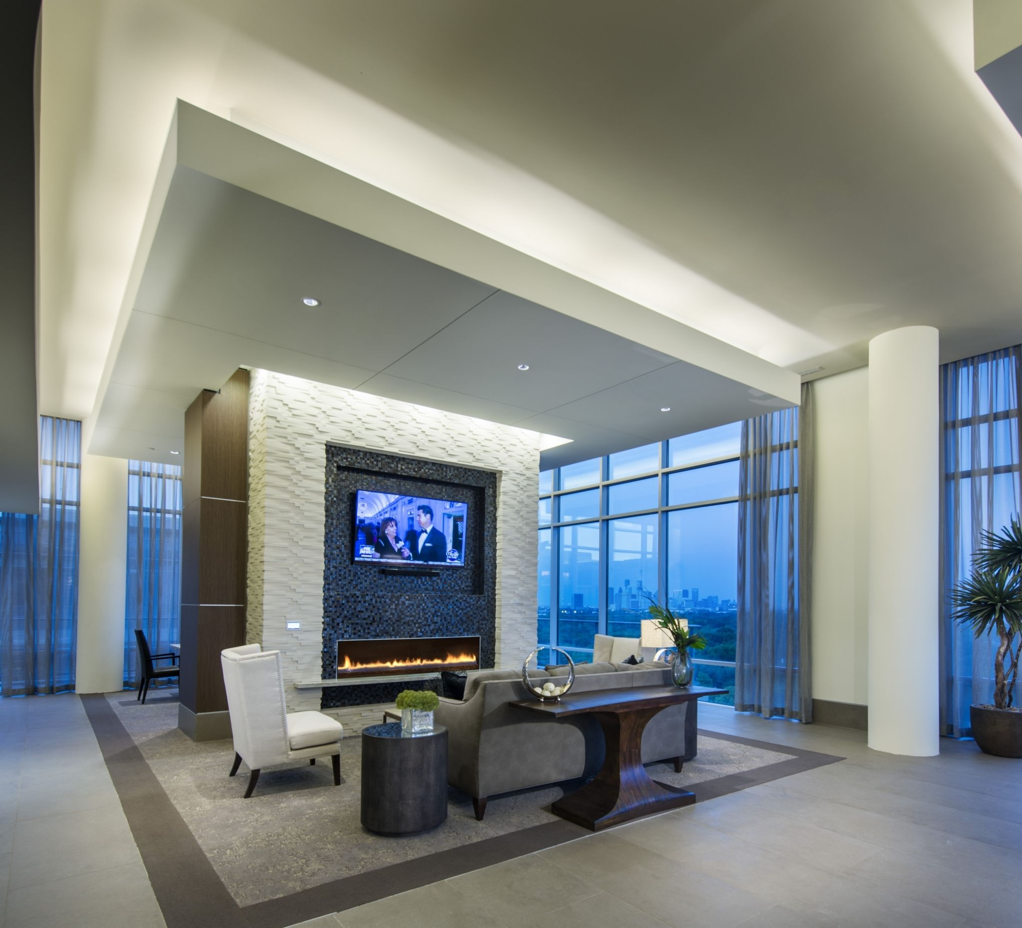 Gallery ǀ Luxury Apartments In Houston Tx ǀ Hanover Southampton High Rise Apartments Luxury Apartments Apartments For Rent