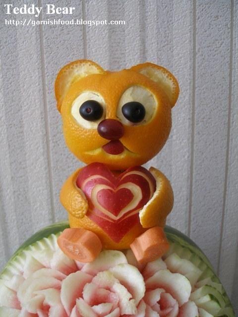 bear fruit sculpture from oranges_garnishfood