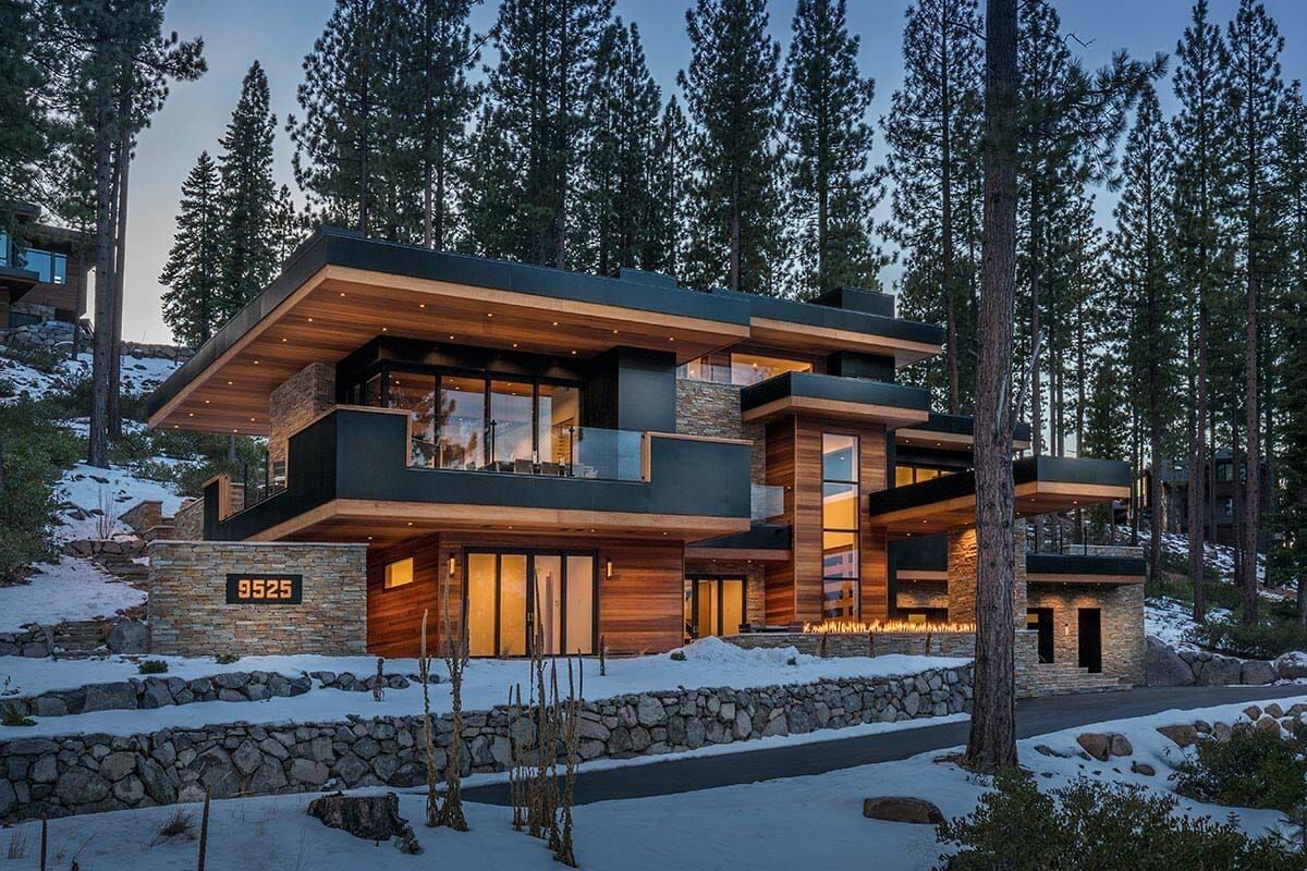 Fabulous Mountain Dwelling With Jaw Dropping Views Of Martis Valley House Designs Exterior Modern House Exterior Mountain Home Exterior