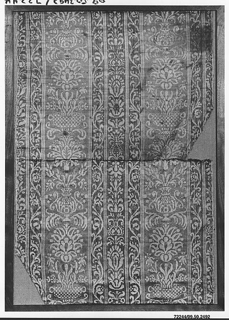 Fragment Date: 16th century Culture: German Medium: Silk and linen Accession Number: 09.50.2492