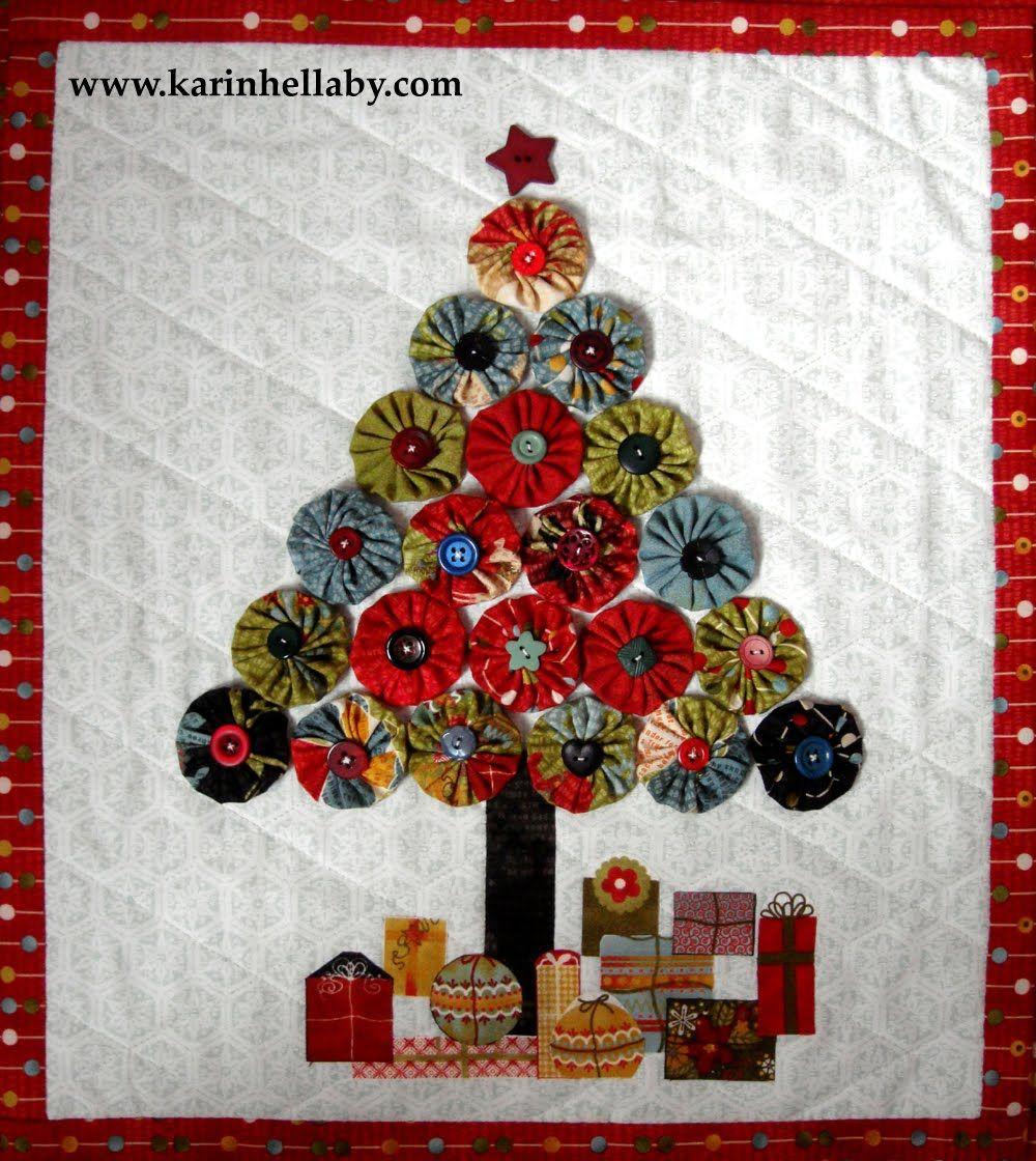 Jovial Christmas Tree Wall Hanging Â« Moda Bake Shop | YoYo ... : christmas quilt wall hanging - Adamdwight.com