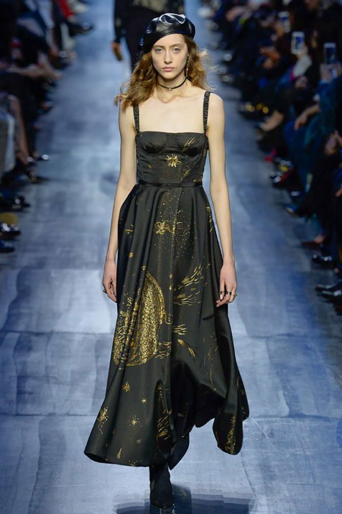 Amelia documents her first big show in Paris -- Dior Fall 2017.
