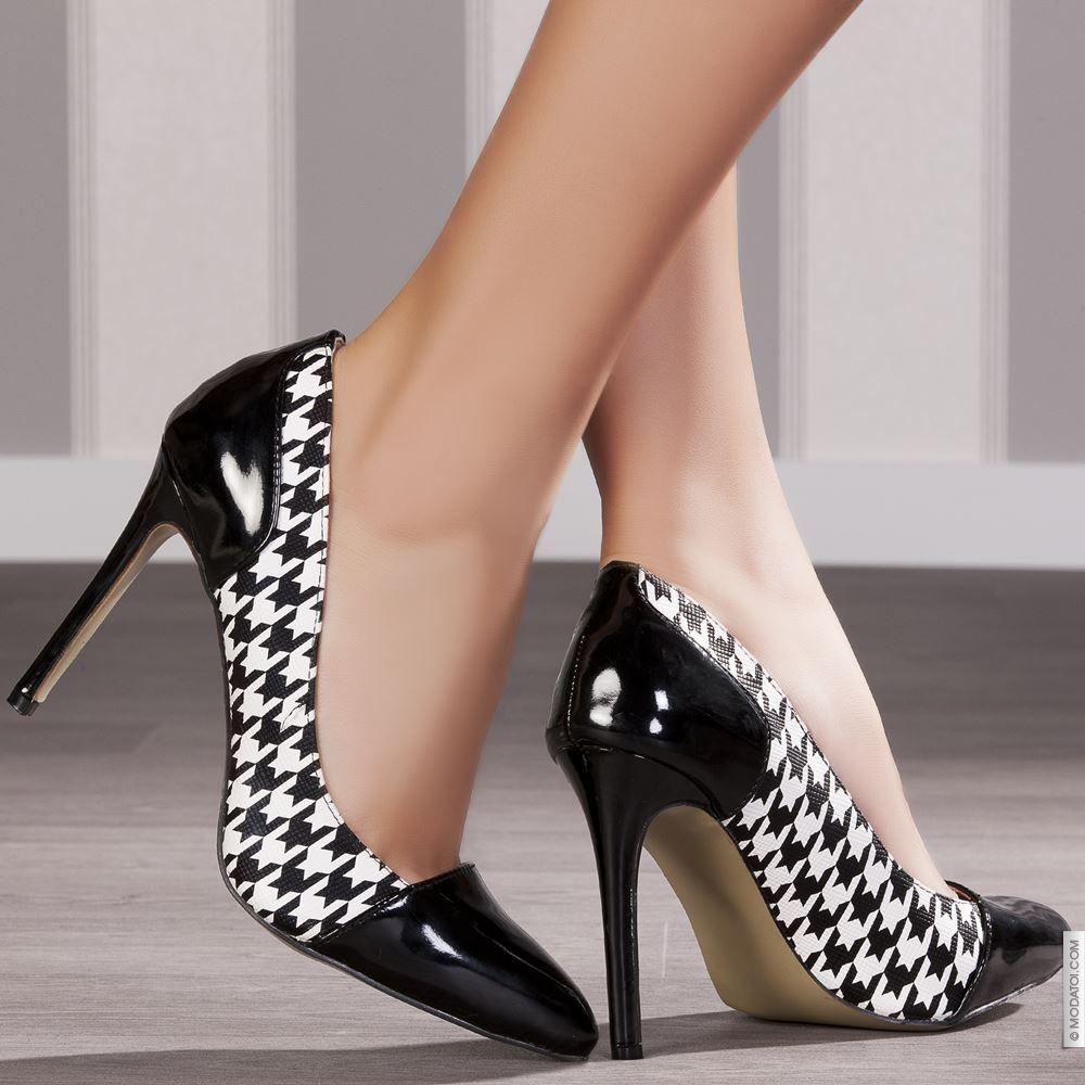 Modatoi, boutique en ligne de chaussures femme, vêtements et accessoires.  Découvrez un univers mode et optez pour une tenue tendance !