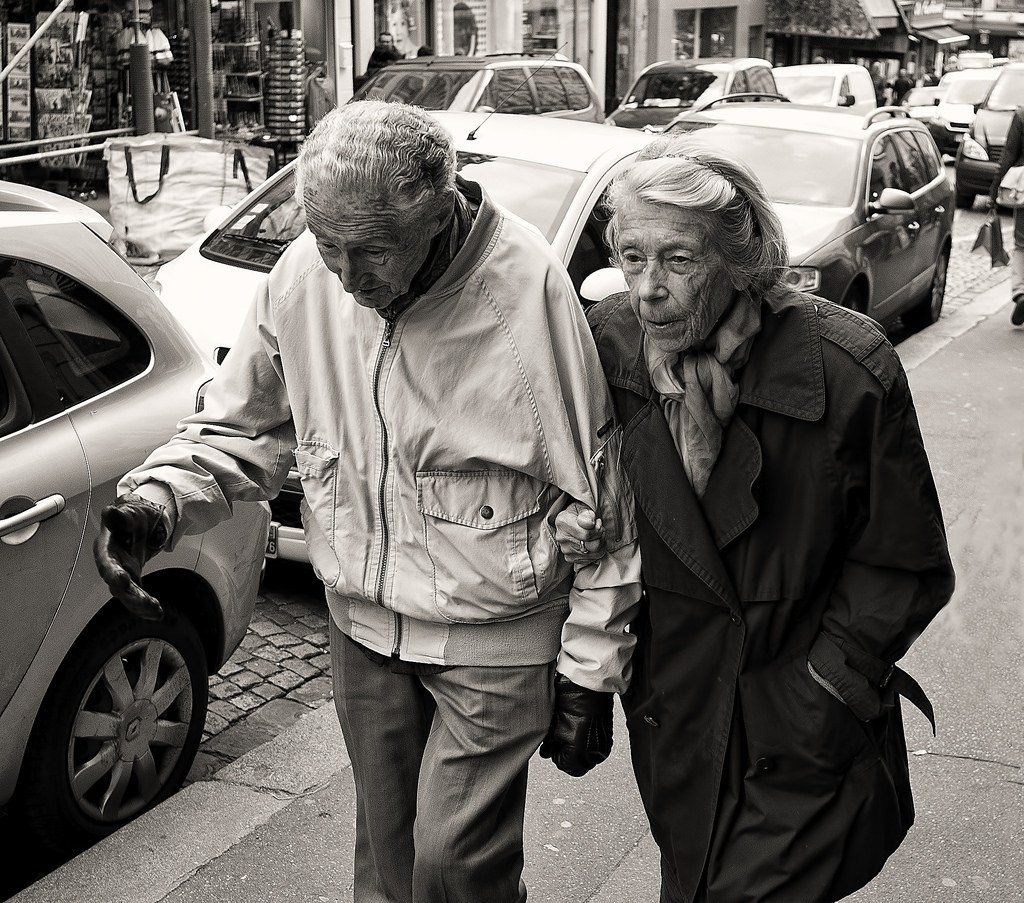 #paris #photography compañeros de vida https://t.co/Ztts2cmXRd https://t.co/LqSptSEbes http://ift.tt/1X1uPlZ