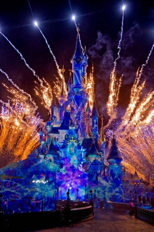 Disney Dreams Fete Noel Disneyland Chateau De Disney Disney