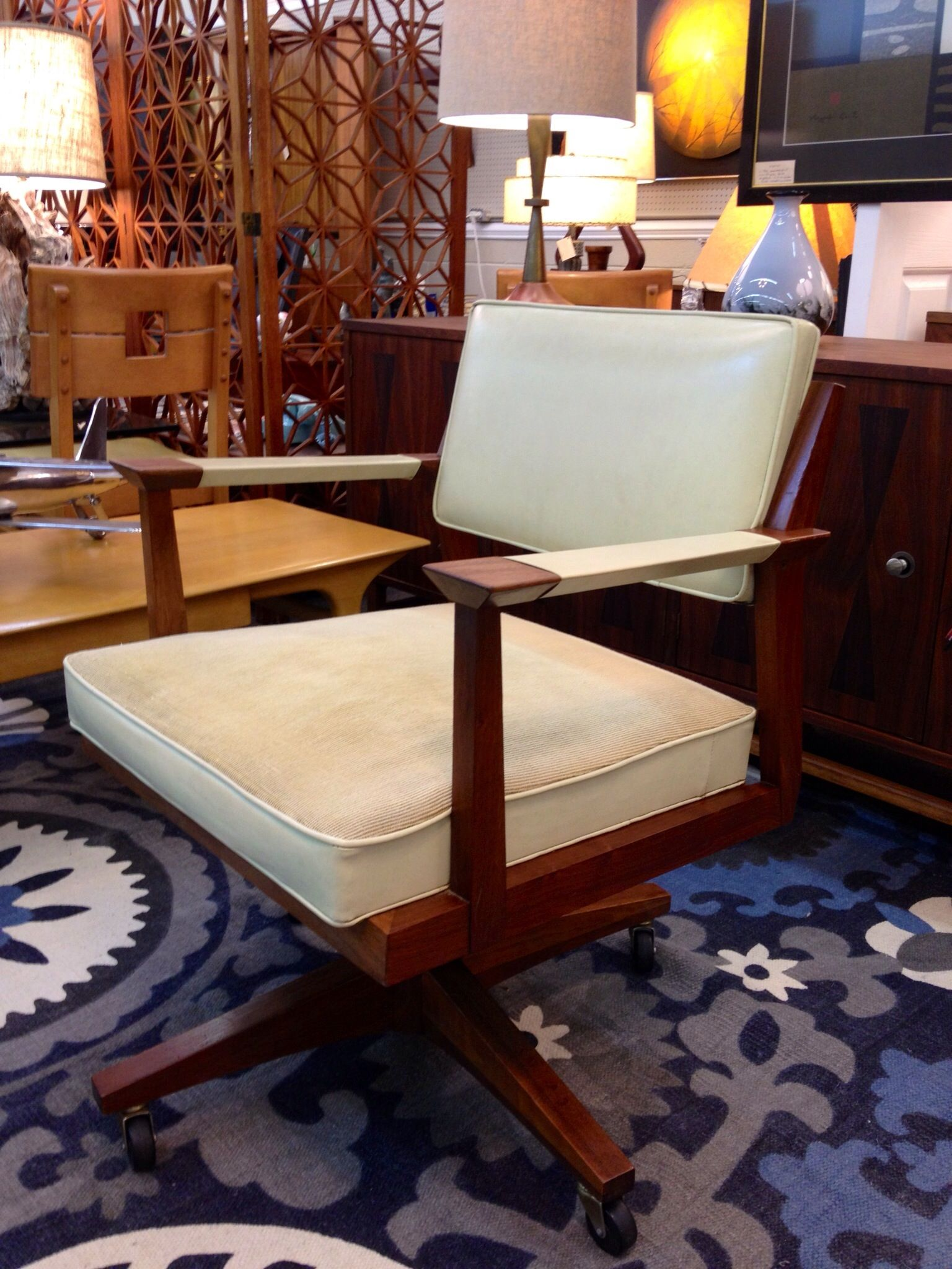 Mid Century Stow And Davis Executive Desk Chair In Richmond Va