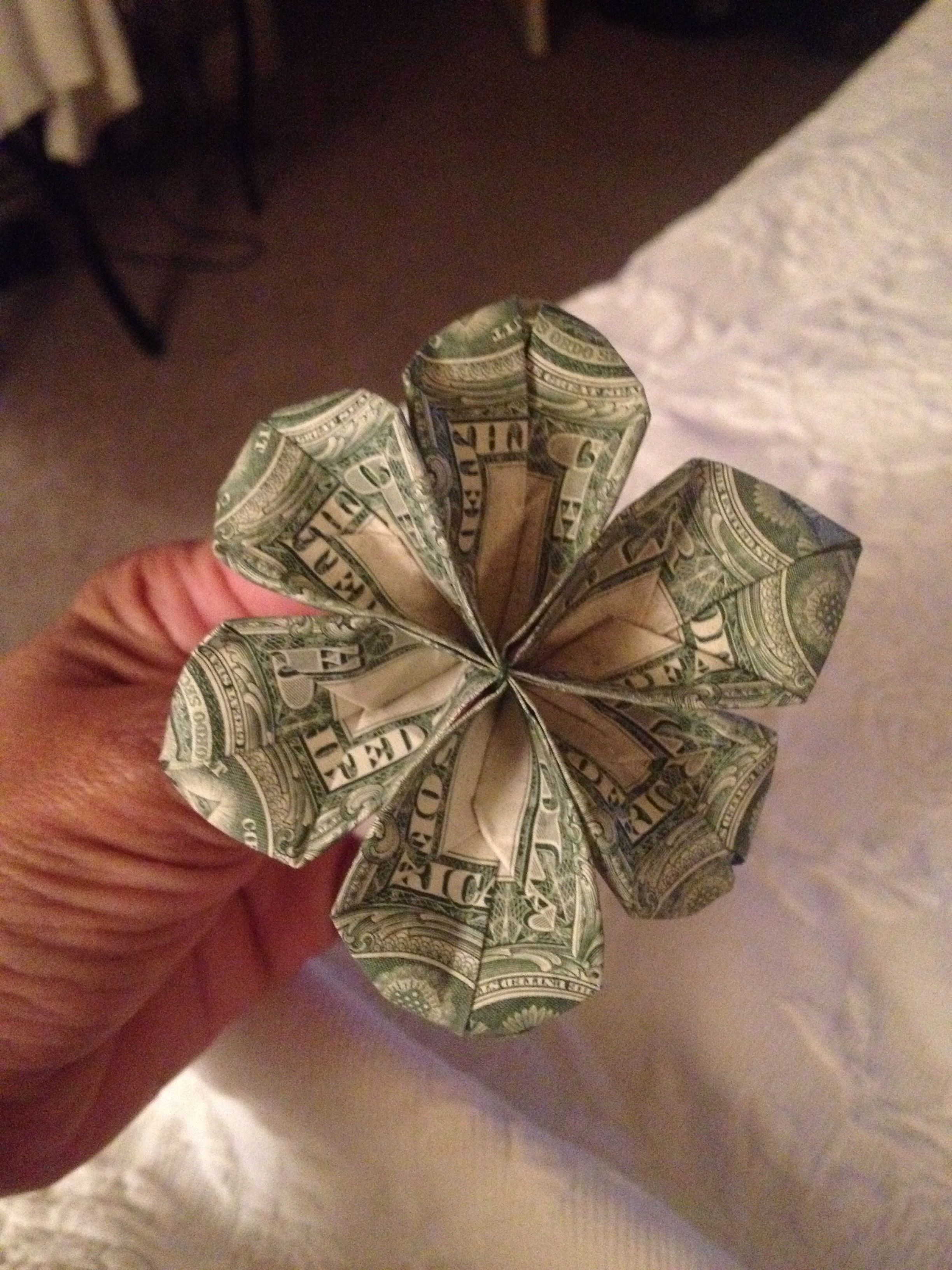 Origami Flower Made From 3 1 Dollar Bills Florist Wire Made This