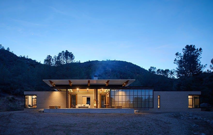 Sawmill Retreat / Olson Kundig Architects