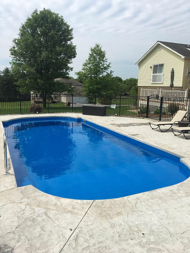 How To Install A Fiberglass Pool With A Tanning Ledge The Right Way Fiberglass Pools Inground Pool Designs Tanning Ledges