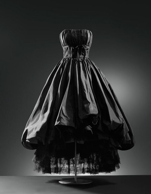 """""""It goes from funeral to coronation with just one simple accessory!"""" 