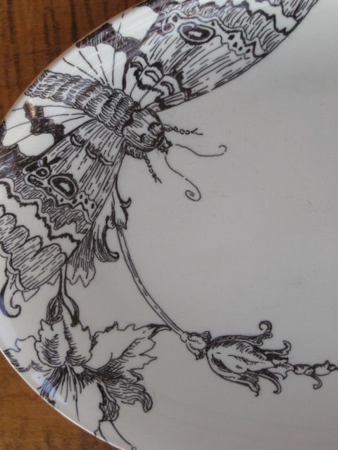 drawing on ceramic plates with slick writer pens & Permanent marker drawn on a ceramic dish then glazed. | geraniums ...