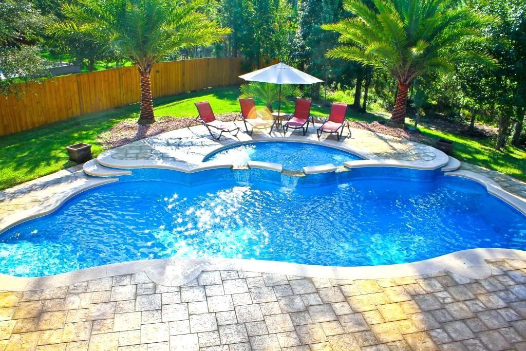 Fake Palm Trees Around Pool Banana Tree Next To Pool Pool Design