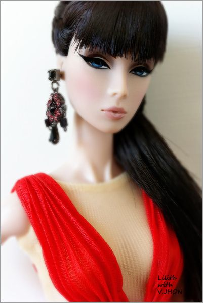 Lilith in V JHON | Flickr - Photo Sharing!