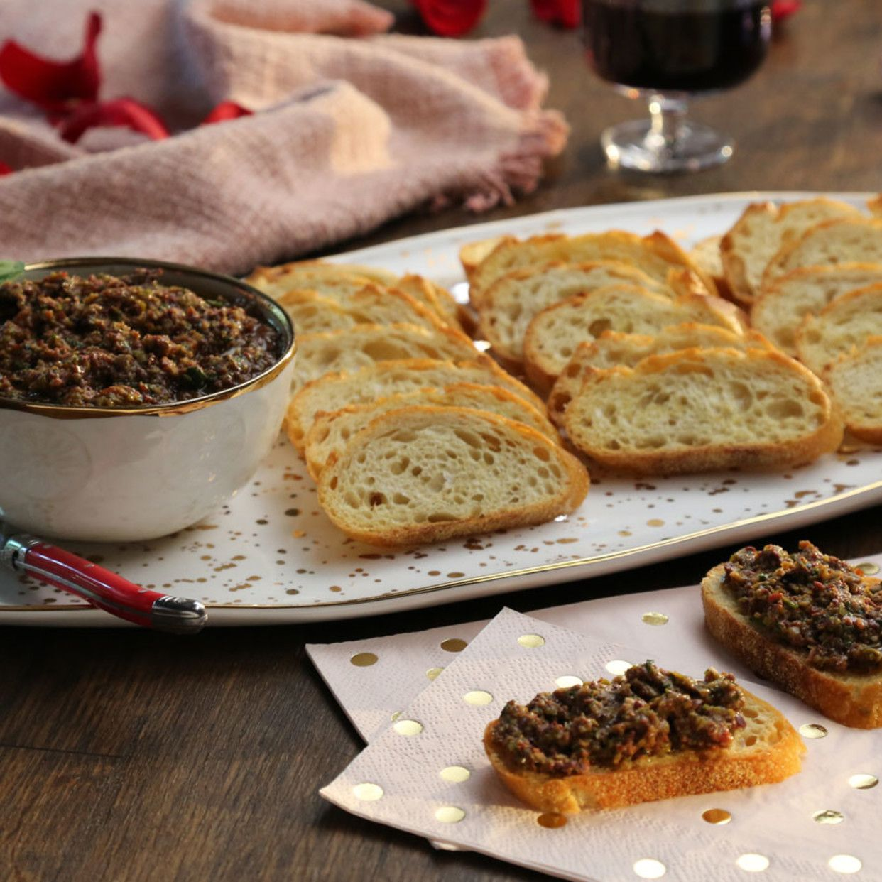Crostini With Anchovy Tapenade Recipe In 2020 Recipes Food Tapenade