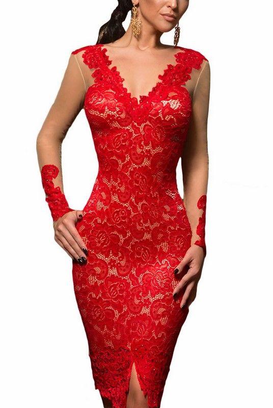 Červené šaty s čipkou  048374e191