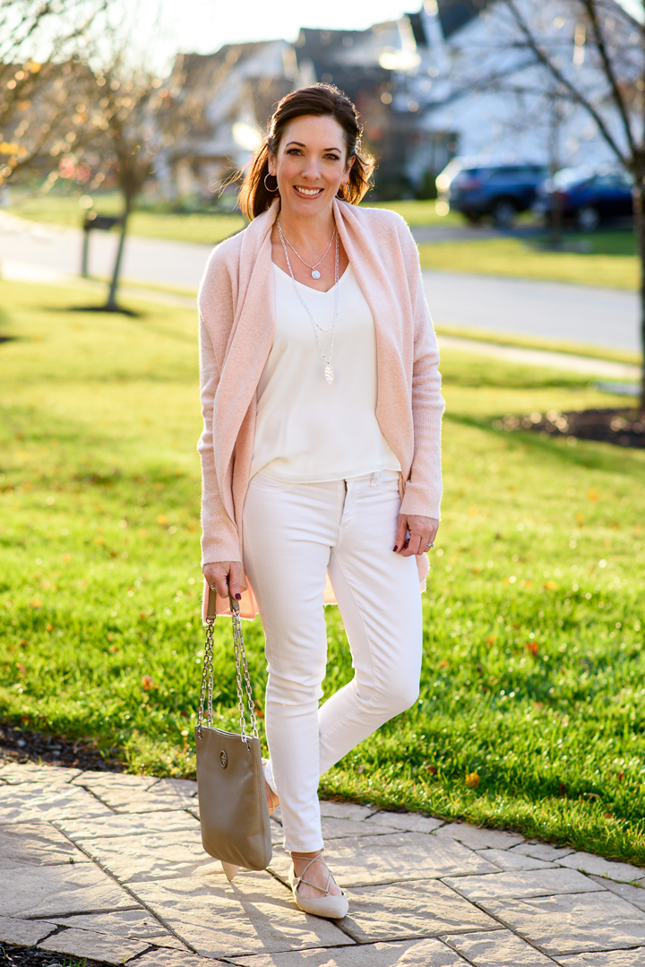 Trends For Spring Summer Clothes For Real Women Over 40: Over 50 Womens Fashion, Spring