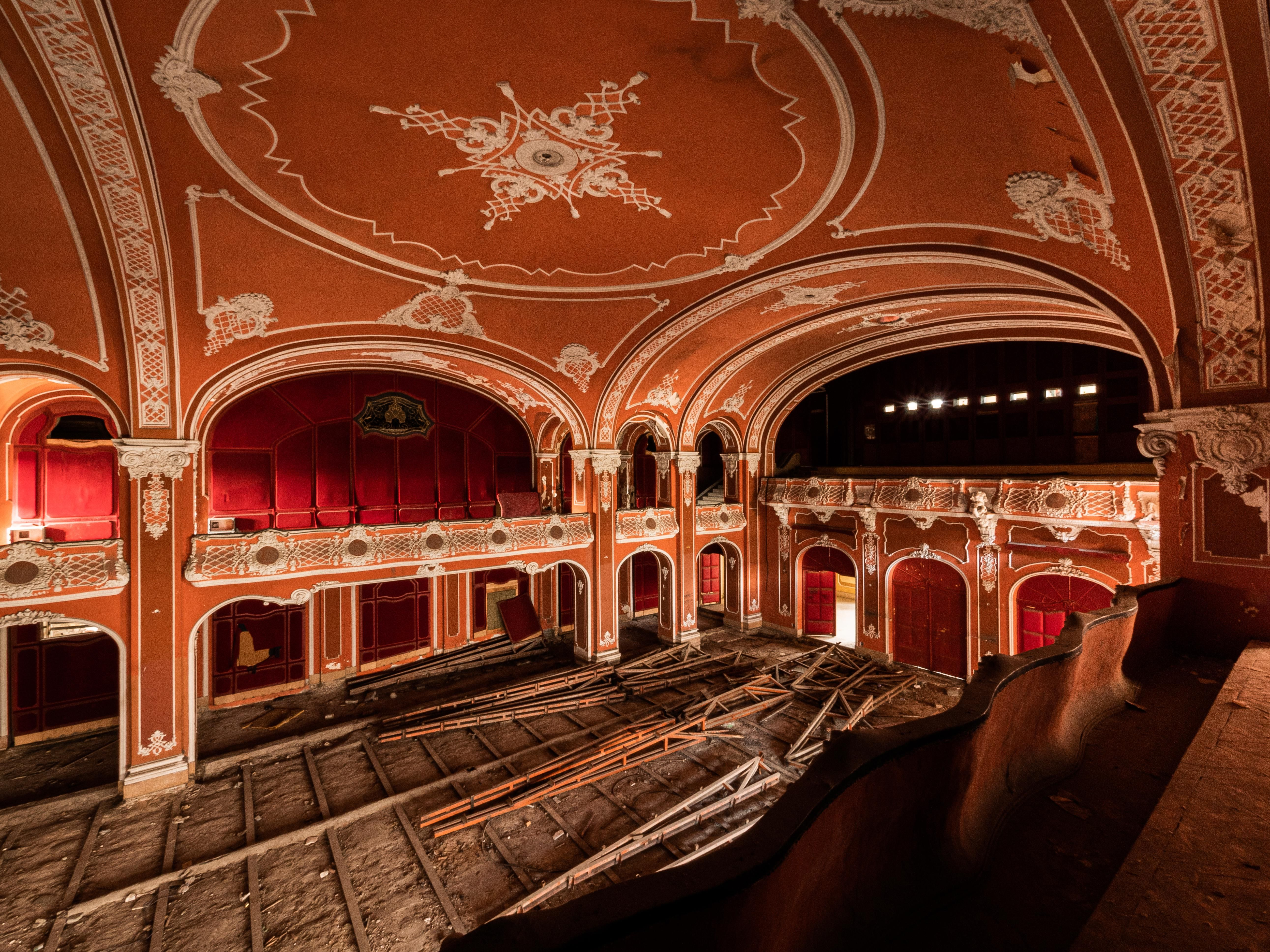 movie theater houses in detroit