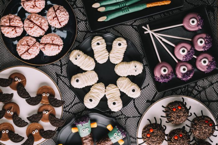 7 Sweet  Easy Treats to Make for Halloween Ever  Ivy Halloween