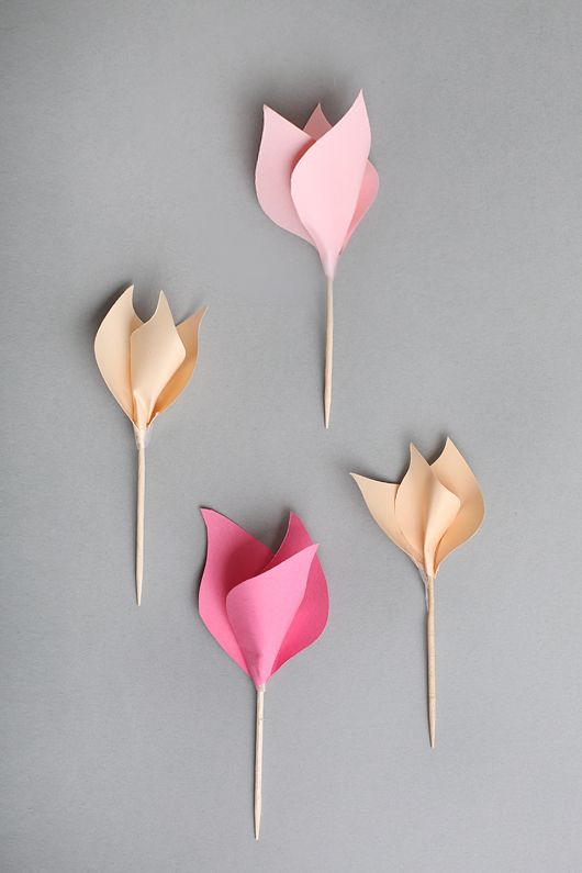 Tutorial at this link for paper tulips id add green florist tape diy paper tulips diy wall art idea colored do it yourself regimen mightylinksfo