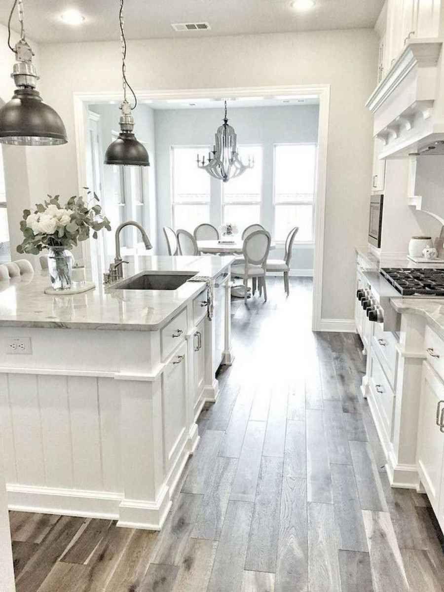 01 gorgeous farmhouse kitchen cabinet makeover design ideas in 2020 modern farmhouse kitchens on kitchen decor themes modern id=62718