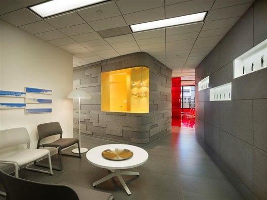 Implantlogyca Dental Office Interiors,© Halkin Mason Photography