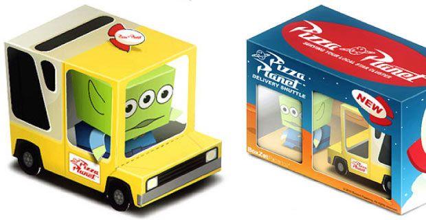 Papercraft de un camión de juguete con un extraterrestre. Manualidades a Raudales.