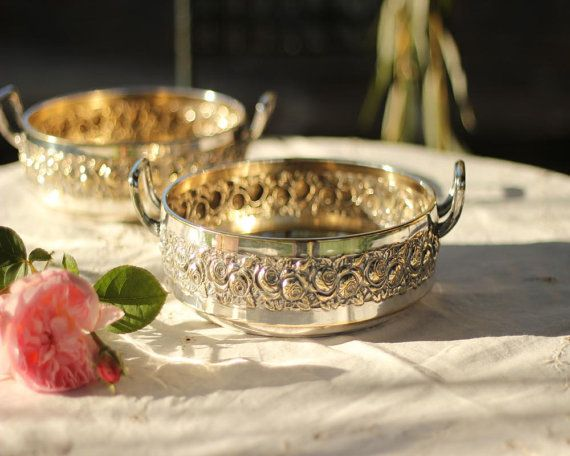 Beautiful Vintage Silver Plated Serving Dish With by EpoqueVintage, €60.00