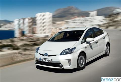 prix voiture hybride toyota prius