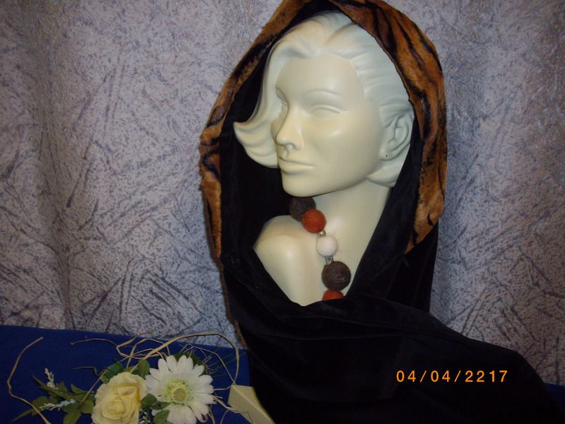Kapuzenschals - Kapuzen-Schal - ein Designerstück von Stoff-Mode-Liererin bei DaWanda