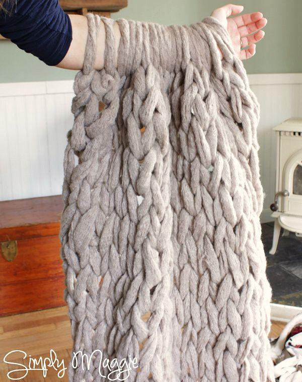 f6b0cd0fe Arm Knit Blanket Pattern I m a huge fan of chunky yarn