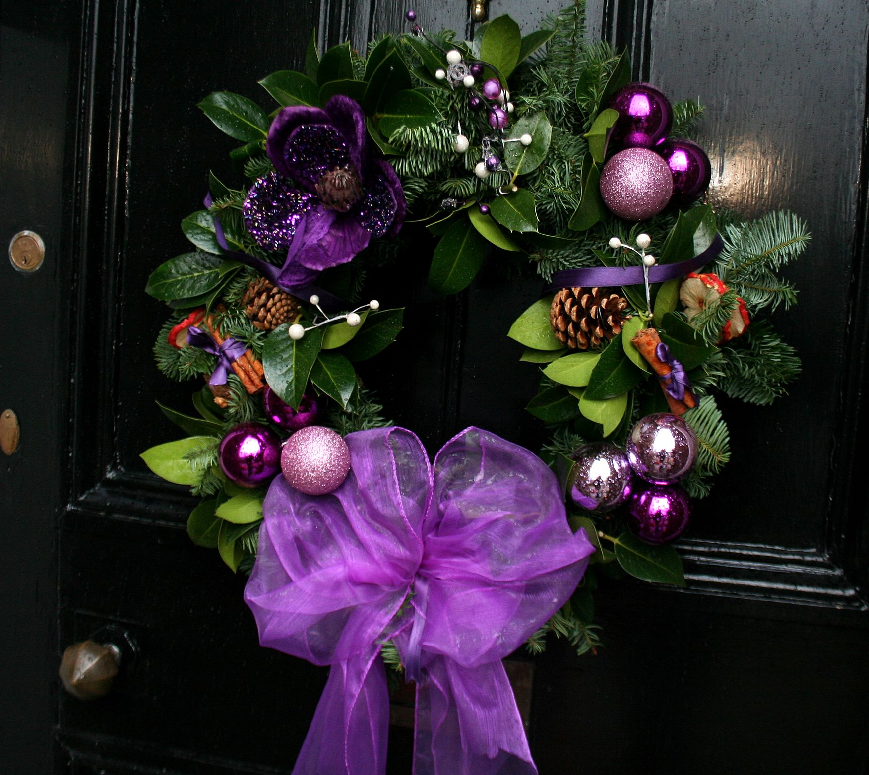 19 Amazingly Gorgeous Purple Christmas Decorations To