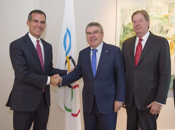 Los Angeles Mayor Eric Garcetti Meets With Ioc President Thomas Bach And Usoc Chief Larry Probst In Lausanne On Septem Olympics Olympic Committee Eric Garcetti