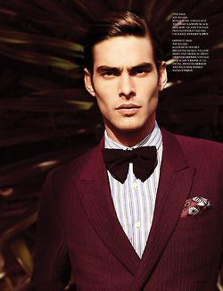FASHIONISTO Spring issue. Bordeaux blazer! <3