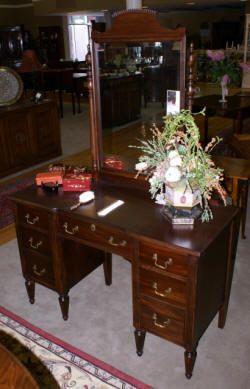 http://uantique.com/antique%20furniture.htm