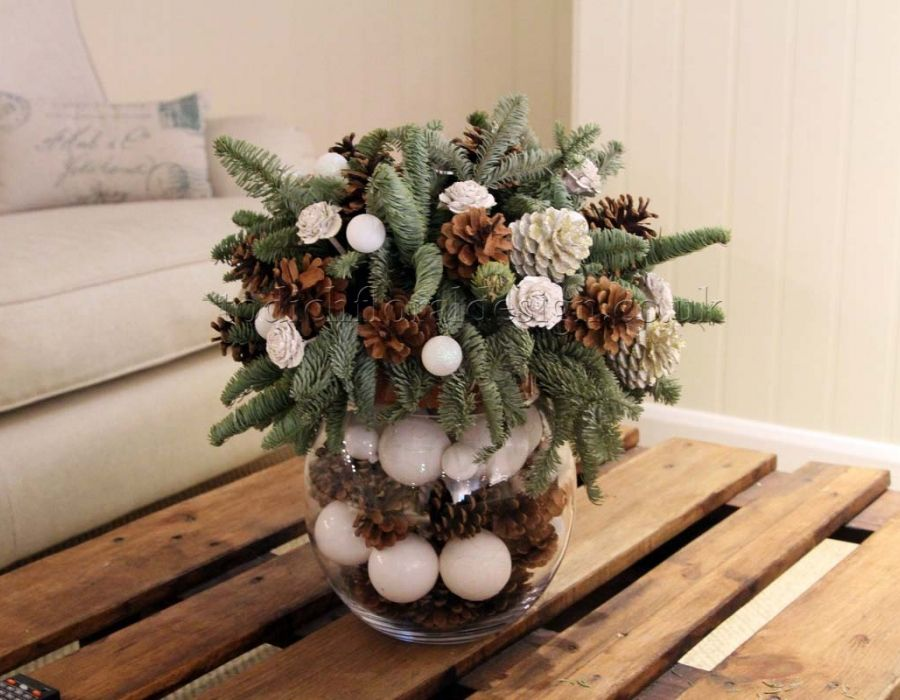 Image Result For Christmas Table Flower Arrangements Winter - Christmas arrangements