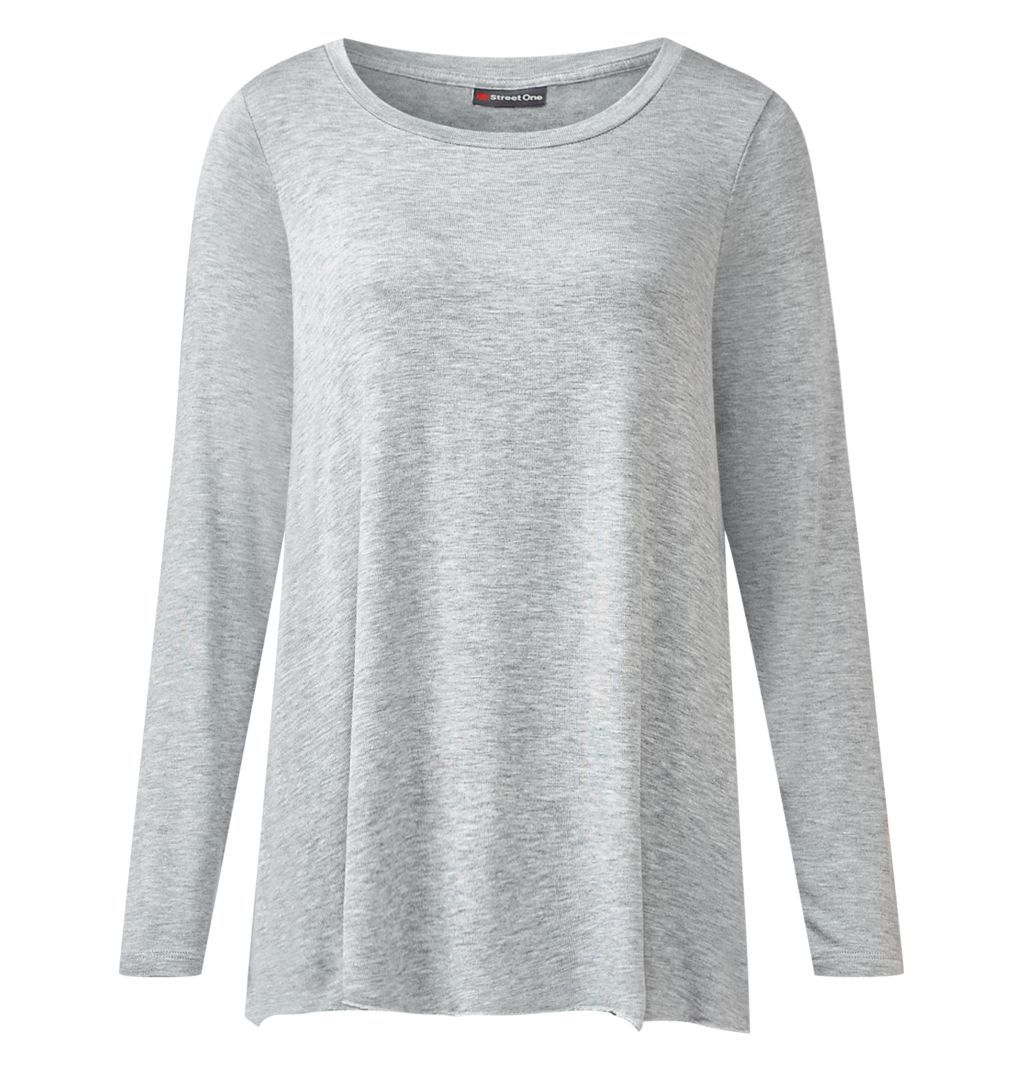 As #simple and #pure as a #grey #shirt can be .... #StreetOne #MyStreetOne #fashion #style #essential #cleanchic