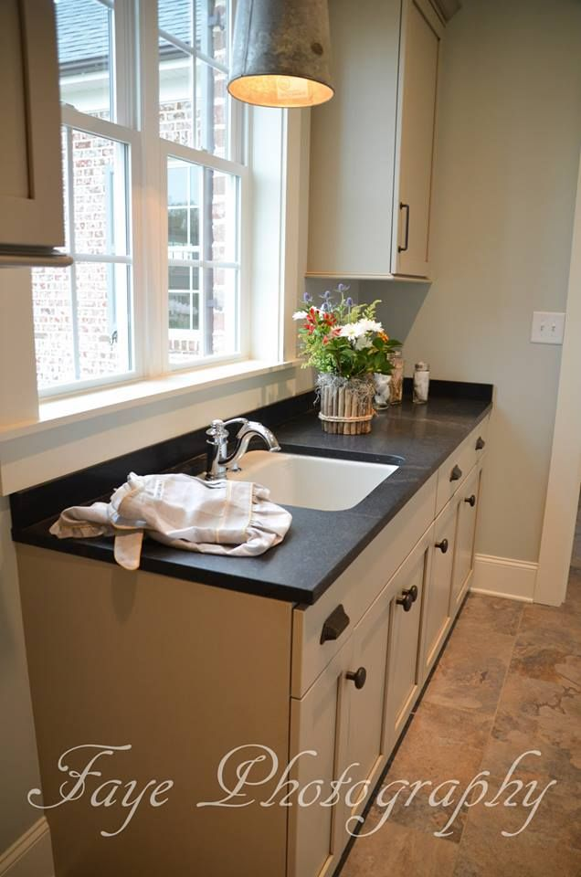 Negresco Honed Leathered Granite For Perimeter Kitchen Kitchen Homes By Jonathan Lee - Laundry - Negresco Honed