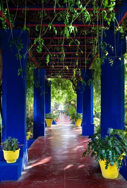 jardin majorelle marrakech outdoor patio garden oasis mexican home decor blue garden. Black Bedroom Furniture Sets. Home Design Ideas