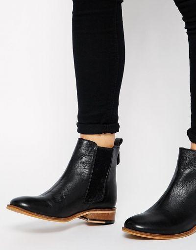 ¿Qué dices de estas lindas Chelsea en negro? Se ponen fácil y se quitan igual.