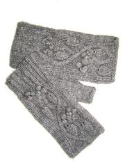 Ravelry: Yakaboo Celtic Vine Mitts pattern by Still River Mill